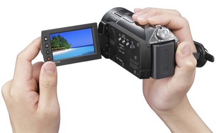 Sony HDR-CX12 AVCHD camcorder captures smiles and scowls for $900