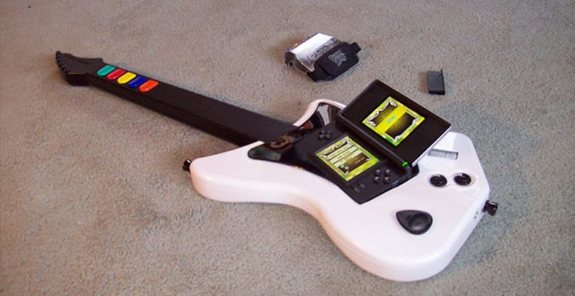 Guitar Hero DS hack lets you shred on a full-size guitar