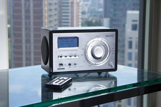 Sanyo introduces WiFi-enabled R227 tabletop radio