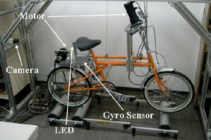 Self-stabilizing bike stabilizes bikers who can't stabilize themselves