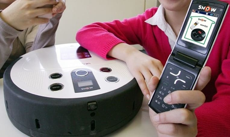 Korean carrier KTF launches mobile phone-controlled vacuum cleaner