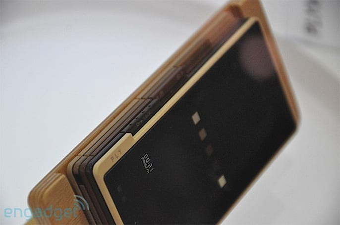 iida Ply and Prismoid phones strut their stuff at CEATEC (video)