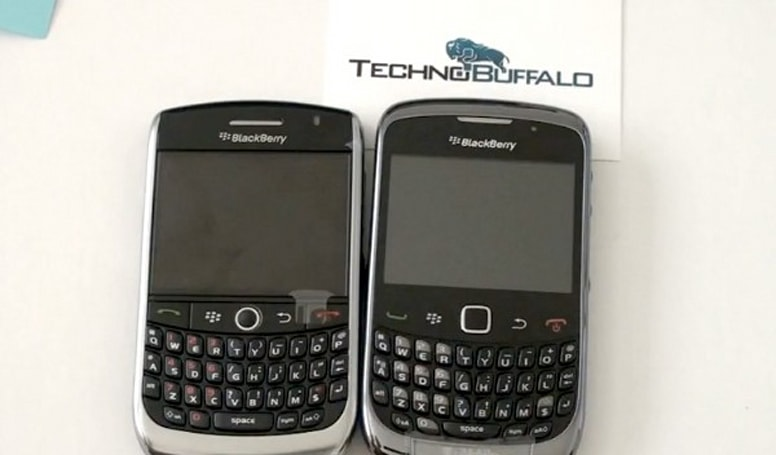 BlackBerry Curve 9300 prototype gets handled on video