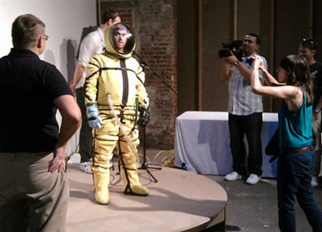 Newfangled spacesuit unveiled in New York