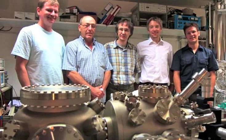 IBM scientists study deep-sea mud juice with atomic force microscope, find orchid juice (video)