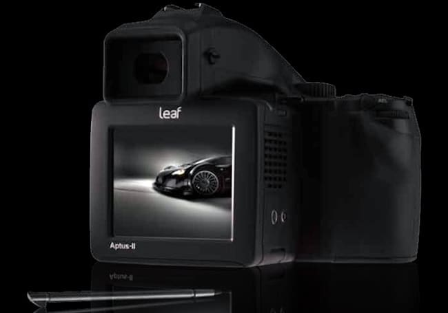 Leaf Aptus-II 12 snaps 80 megapixels of awesome on the back of your pro shooter