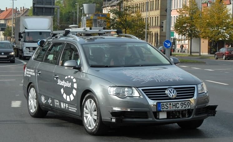 Google and TU Braunschweig independently develop self-driving cars (video)