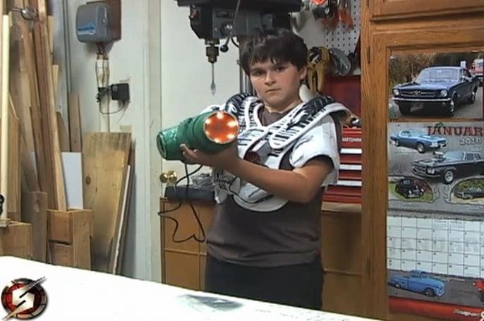 Father-son team build Samus Aran arm cannon for Halloween