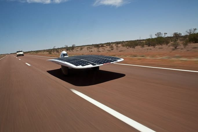 Sunswift IV, world's fastest solar-powered racer, leaves GM Sunraycer in its dust