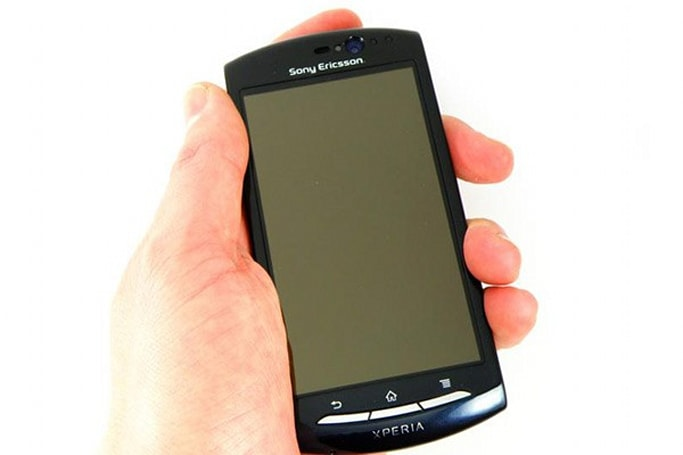 Sony Ericsson Xperia Neo named and previewed in one fell swoop, bringing Gingerbread to MWC 2011