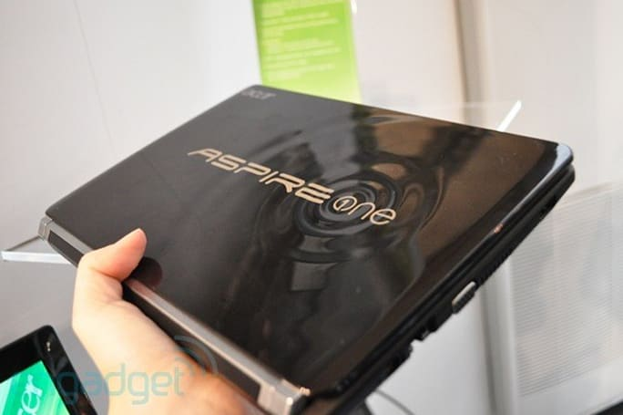 Acer's Aspire One D257 attempts to send ripples through MWC