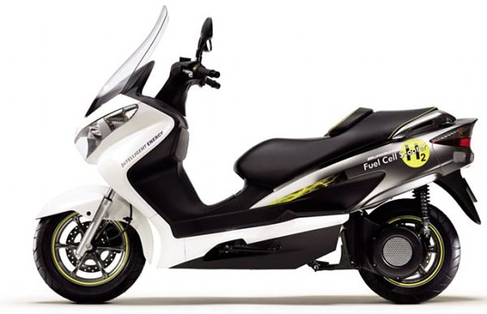 Suzuki Burgman fuel-cell scooter approved for EU public consumption