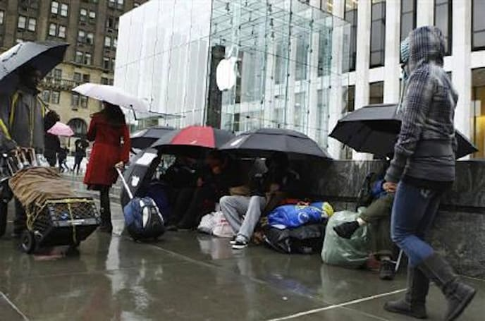 iPad 2 line watch: the few, the proud, the soaking wet (updating)