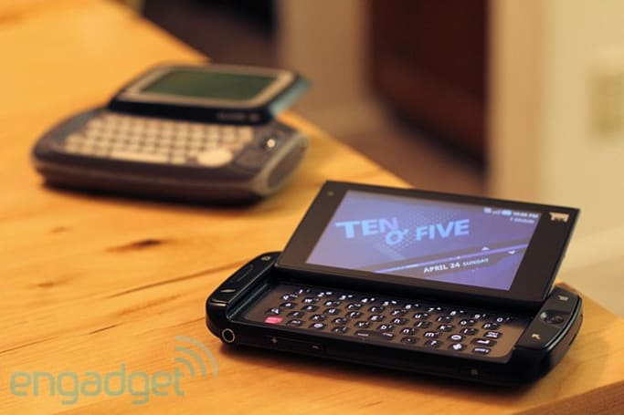 Danger's iconic Hiptop fades away / the Sidekick is here to stay
