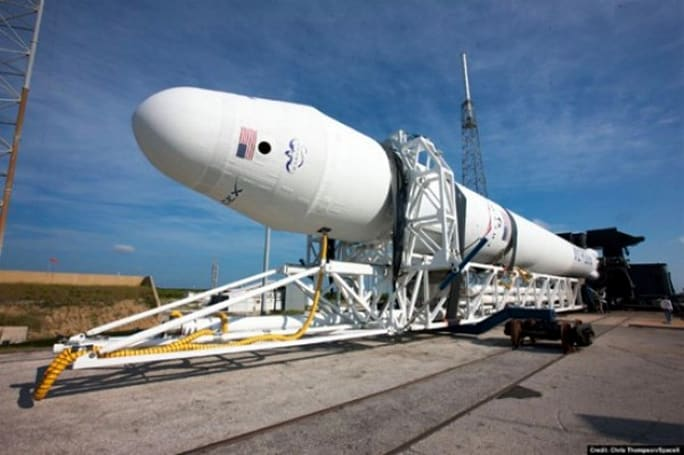 NASA awards $270 million to SpaceX and other commercial spaceflight ventures