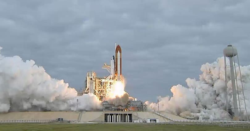 Space Shuttle Endeavour lifts off one last time (video)