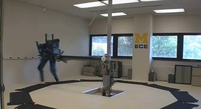 MABEL running robot snags bipedal speed title, cue 'Rocky' theme (video)