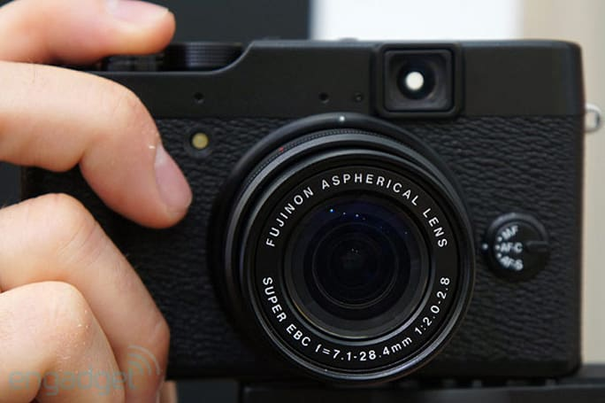 Fujifilm X10 hands-on (video)