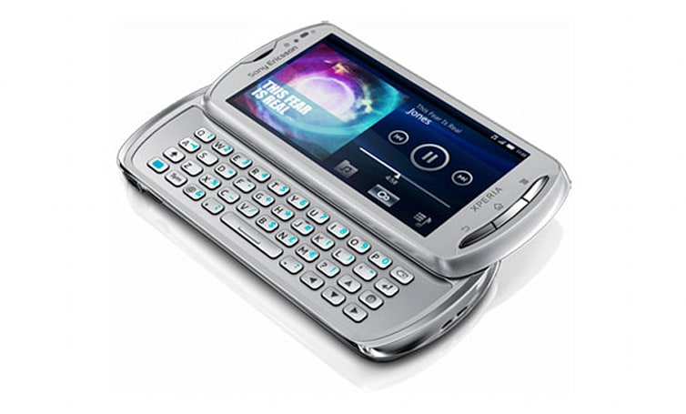 Sony Ericsson Xperia pro on sale this October, corporate thumbs flex in anticipation