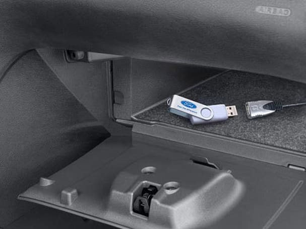 Ford USB Music Box adds mass storage playback, smartphone charging to AUX-enabled receivers