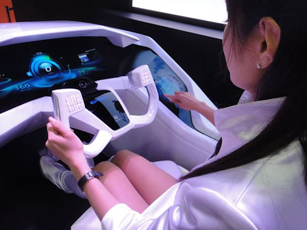 Mitsubishi Electric's EMIRAI concept goes back to the future, refuses to fly (video)