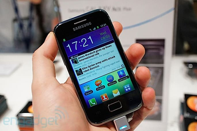 Samsung Galaxy Ace Plus hands-on (video)