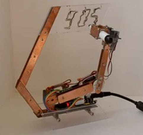Arduino-powered Artbot writes the time, erases it, writes again (video)