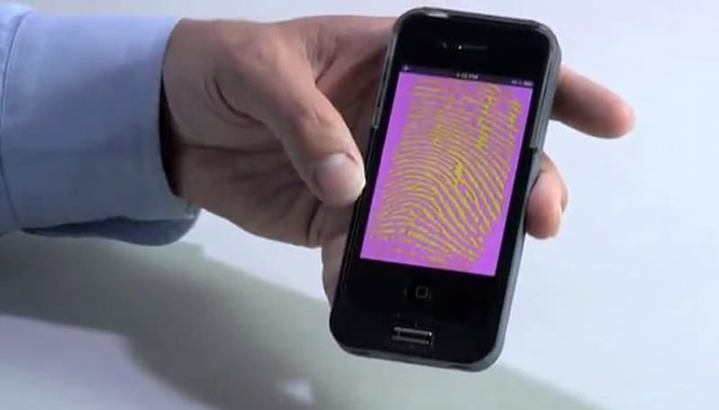 Precise Biometrics' Tactivo for iPhone, iPad locks data by fingerprint and smart card, is overkill for your diary (video)