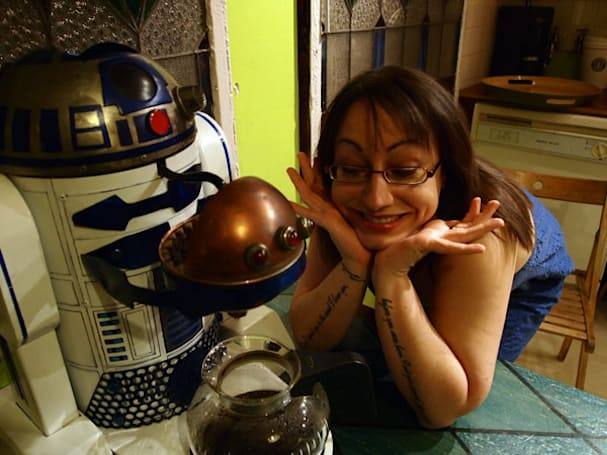 R2-D2 Dark Roast Edition makes your coffee astromech-style, puts brew into 'homebrew' (video)