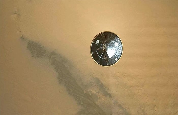 Curiosity landing video assembled from high-res images (video)