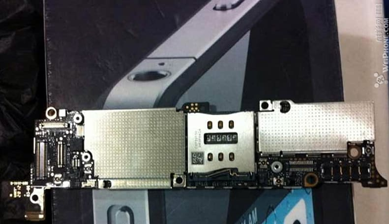 Next iPhone's motherboard possibly spotted with a dash of extra wireless