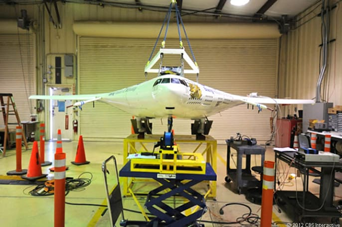 NASA's X-48C hybrid wing-body plane completes first test flight
