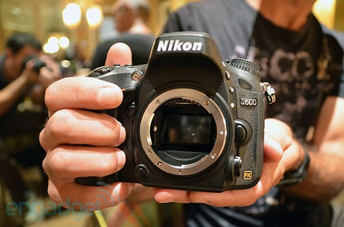 Nikon unveils lightweight, full-frame D600 DSLR -- hands-on and low-light samples (video)