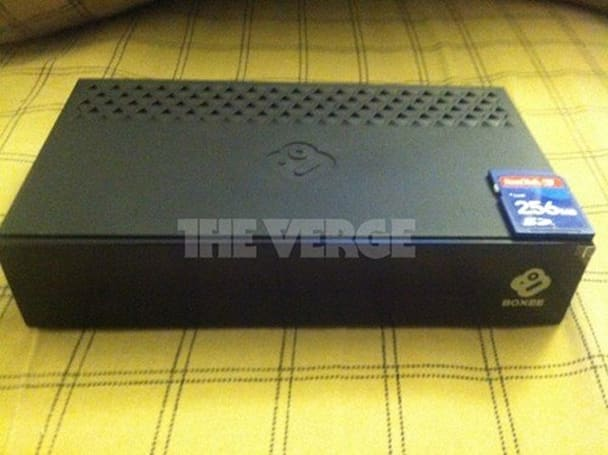 Boxee TV streaming / OTA set-top box and DVR pics leak out