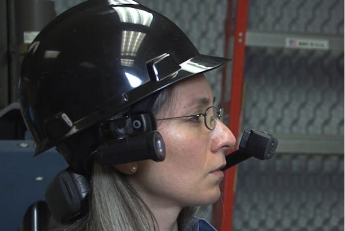 Motorola Solutions outs HC1 head-mounted computer, keeps workers' hands free in sticky situations (update: video)