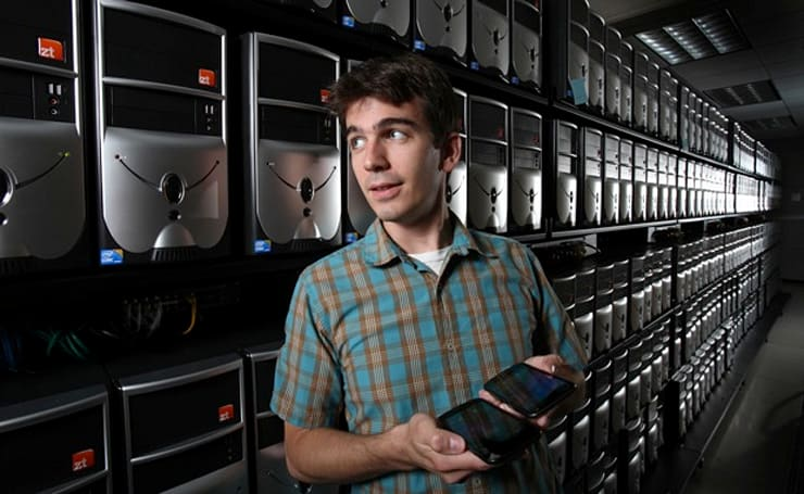 Sandia Labs' MegaDroid project simulates 300,000 Android phones to fight wireless catastrophes (video)