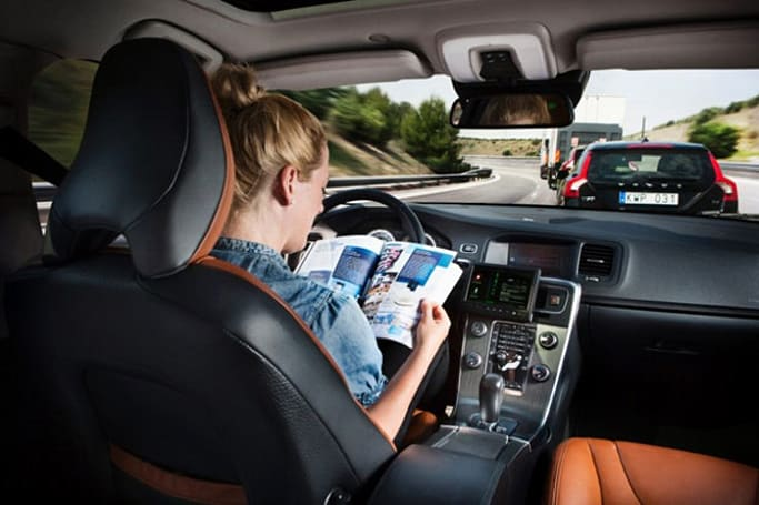 Volvo plans self-driving cars in 2014, envisions accident-free fleet by 2020