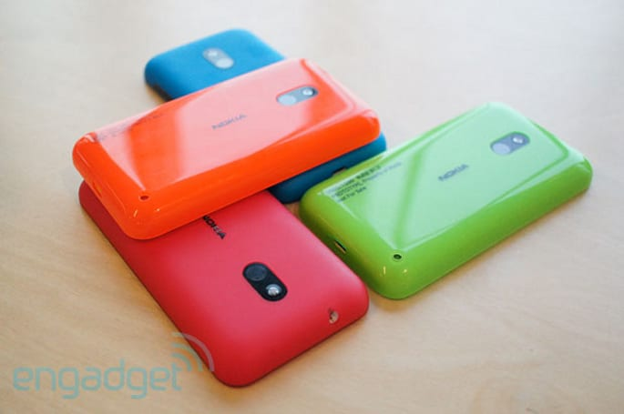 Nokia confirms Windows Phone 7.8 coming to the UK today, prices Lumia 620 at £149.99