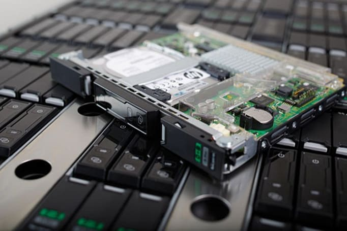 HP Moonshot server class leaves concept, to power commercial-grade internet of the future