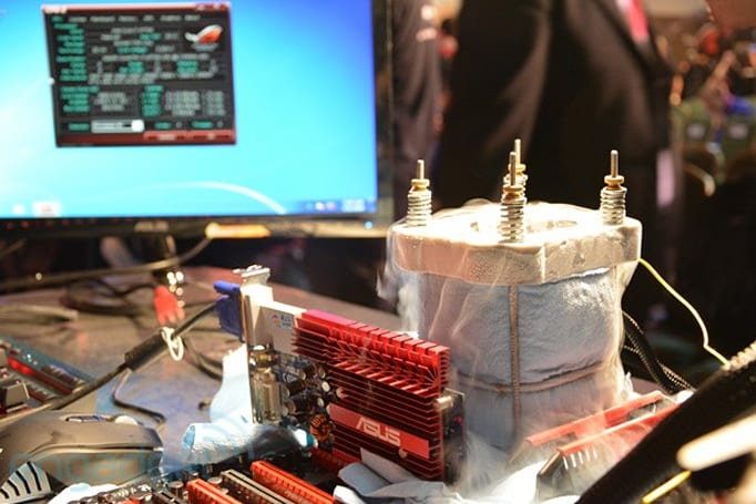 Visualized: Intel's Haswell Core i7 overclocked to 6.88GHz on an ASUS motherboard