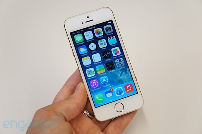 Apple iPhone 5s hands-on (update: video)