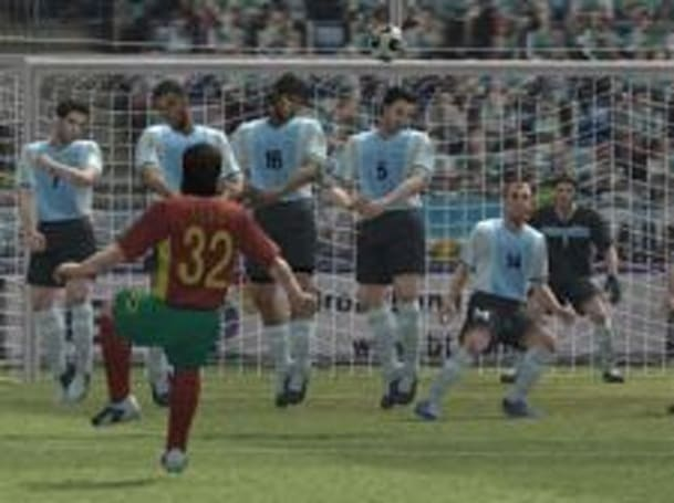 Italian PS3 owners want their PS2 soccer