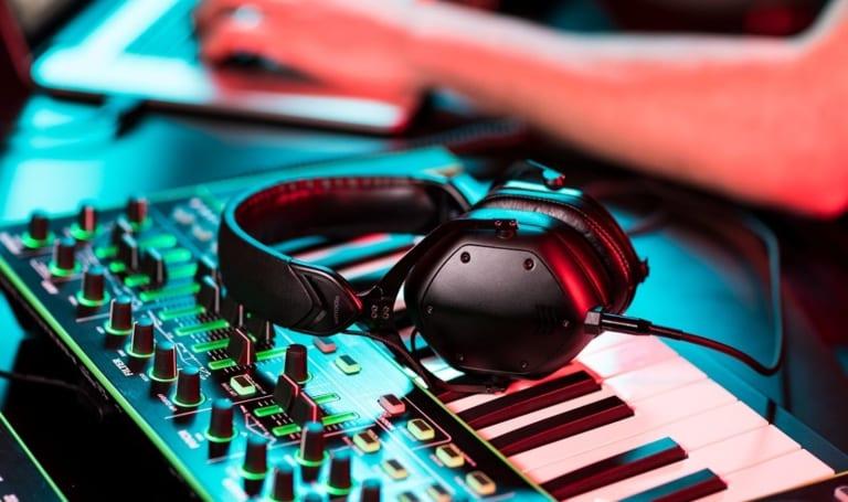V-Moda's M-100 Crossfade headphones get a professional upgrade