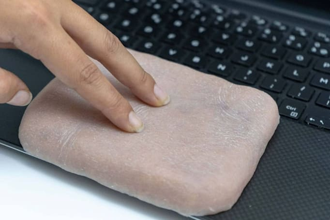 Researchers create an artificial skin that makes your phone ticklish