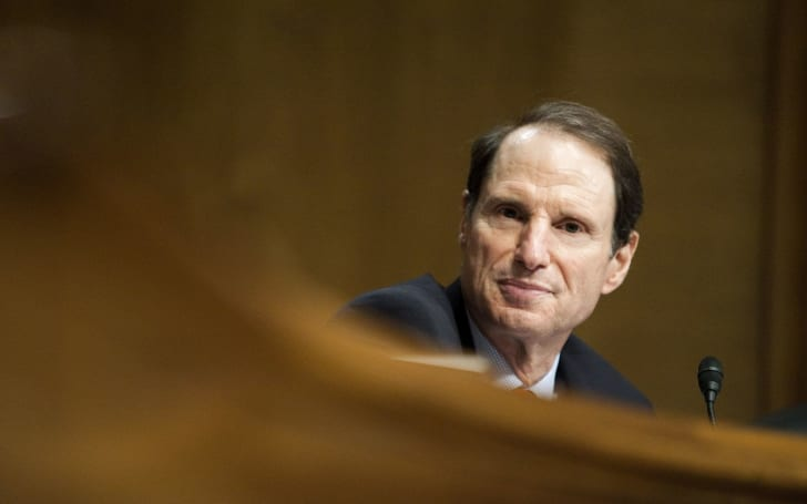 Senator Wyden pushes his 'Mind Your Own Business' privacy act forward