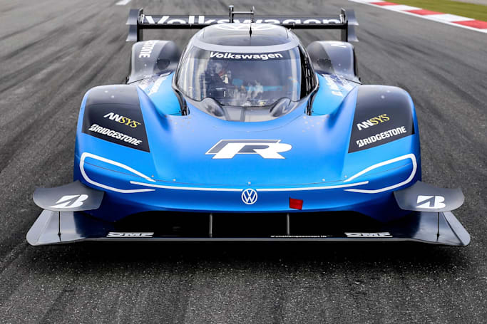 Watch VW's electric race car smash a 20-year-old Goodwood record (updated)