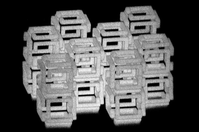 MIT can shrink 3D objects down to nanoscale versions