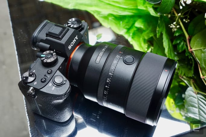 Sony's 135mm f/1.8 G Master full-frame lens is all about bokeh