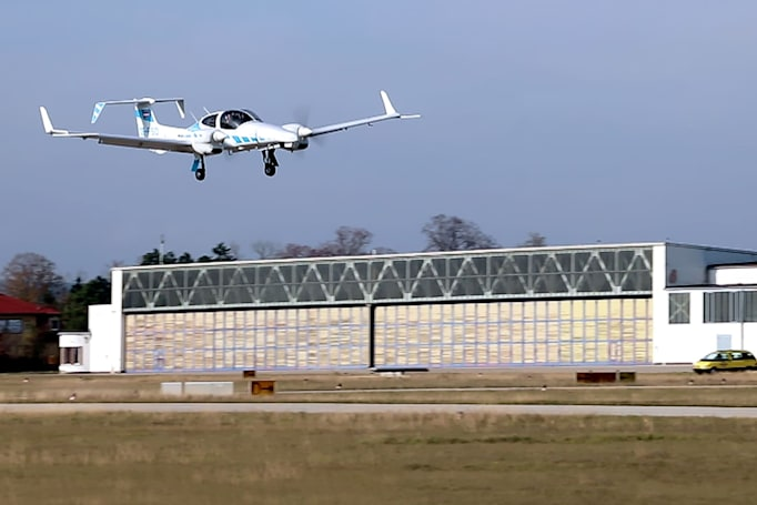 Aircraft lands itself truly autonomously for the first time