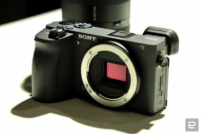 A first look at Sony's A6600 flagship APS-C mirrorless camera